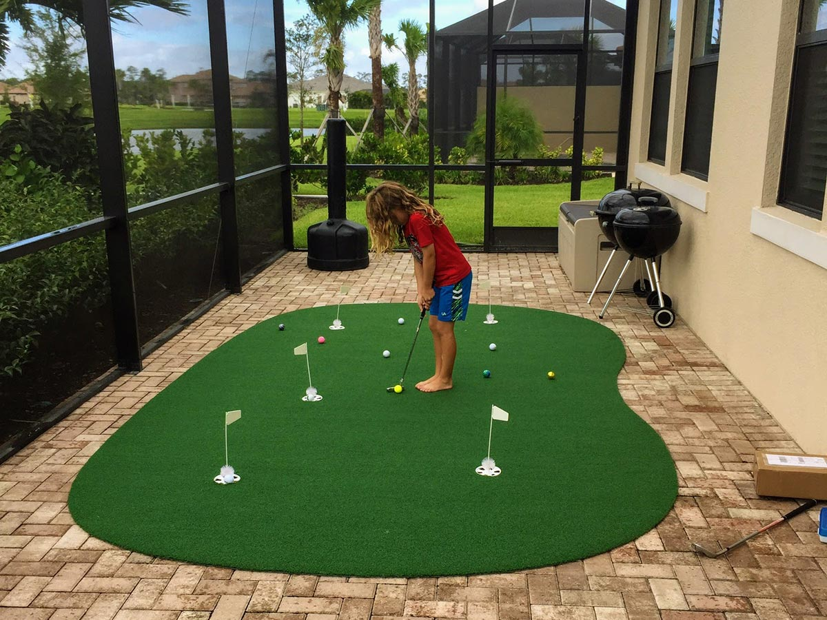 9′ x 15′ 5-Hole Pro Backyard or Indoor Putting Green ...